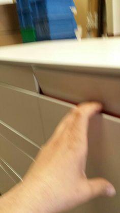 Accionamiento tirador invisible touch Black And White, Kitchens, Trends