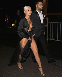 Amina Blue bares all in bizarre cut-out frock at Harper's Bazaar bash Sexy Outfits, Sexy Dresses, Cute Outfits, Amina Blue, Sexy Posen, Look Fashion, Womens Fashion, Sensual, Sexy Body