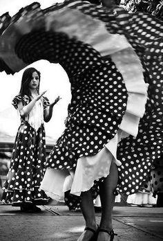 "Flamenco - by Paulo Laborn ""little spanish girl"" Shall We Dance, Lets Dance, Spanish Girls, Spanish Dance, Dance Like No One Is Watching, Dance Movement, Dance Art, Dance Photography, Elegant"