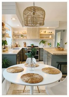 Kitchen Island Storage, Farmhouse Kitchen Island, Modern Kitchen Island, Boho Kitchen, Modern Farmhouse Kitchens, Kitchen Decor, Kitchen Islands, Space Kitchen, Kitchen Ideas