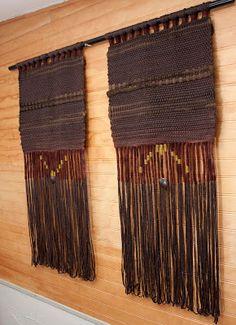 telar mural Weaving Textiles, Weaving Art, Tapestry Weaving, Loom Weaving, Wall Tapestry, Textiles Techniques, Weaving Techniques, Types Of Weaving, Yarn Wall Art
