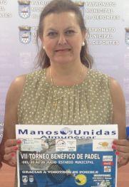 Ana García, representante de Manos Unidad, durante la presentación del VII Torneo Benéfico de Padel
