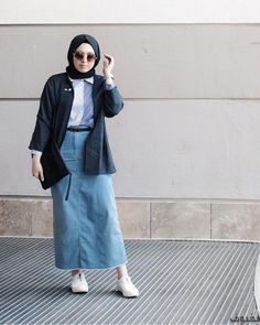 45 Trendy Ideas For Fashion Girl Jeans Denim Skirts Modern Hijab Fashion, Muslim Fashion, Trendy Fashion, Casual Hijab Outfit, Hijab Chic, Ootd Hijab, Long Skirt Hijab, Modest Outfits, Trendy Outfits