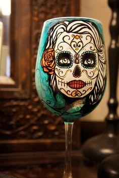 Sugar Skull Hand Painted Wine Glass Day of the Dead Dia De Los . Diy Wine Glasses, Decorated Wine Glasses, Hand Painted Wine Glasses, Decorated Bottles, Verre A Vin Design, Wine Glass Crafts, Wine Craft, Arte Country, Memento Mori