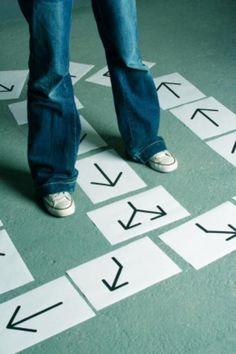 Es mejor seguir los pasos de Jesús que tratar de encontrar el camino por nuestros propios medios!... (Ref. Salmos 48:14)