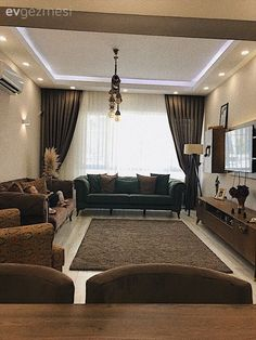In this living room, modern style furniture has given the room a warm look with its earth colors . Types Of Furniture, Home Furniture, Dream Home Design, House Design, Country Modern Home, Lounge Areas, Living Room Decor, Family Room, Sofa