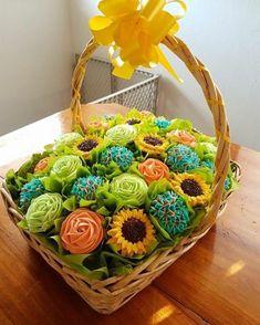 Ideas Cupcakes Flower Bouquet Diy For 2019 Cupcake Flower Bouquets, Flower Cupcakes, Yummy Cupcakes, Wedding Cupcakes, Gerbera Bouquet, Orchid Bouquet, Wedding Cake, Cookies Cupcake, Diy Cupcake
