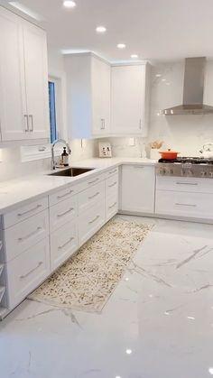 Kitchen Pantry Design, Modern Kitchen Design, Home Decor Kitchen, Interior Design Kitchen, Kitchen Ideas, Kitchen Small, Contemporary Kitchen Cabinets, Ikea White Kitchen Cabinets, White Marble Kitchen
