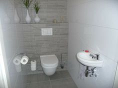 1000 images about keukens on pinterest toilets texture painting and duravit - Tegel witte glanzende badkamer ...
