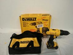 Dewalt 20-Volt Max Lithium-Ion Cordless Drill/Driver Kit Model DCD771C2 #DeWALT