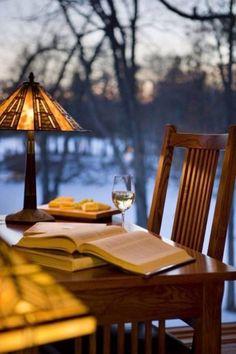 reading lakeside - Ana Rosa