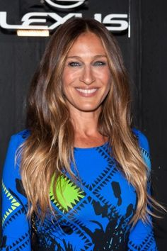11 Celebs Who Are Way Older Than You Think They Are Sarah Jessica Parker Brunette Ombre, Brunette Hair, Bright Red Hair, Brown Hair Colors, Sarah Jessica Parker Hair, Balliage Hair, Gradient Hair, Balayage Hair Blonde, Ombre Hair Color
