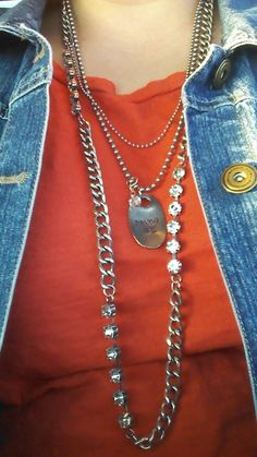 Great look with the JACK TAG and HORIZON NECKLACE! Jewel Kade has the look you have been searching for! https://sharoldegroot.jewelkade.com