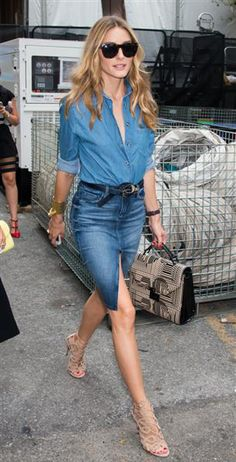 Olivia Palermo takes summer's denim-on-denim trend into the fall by wearing pairing a knee-length jean skirt with a coordinating button down during Mercedes-Benz Fashion Week in New York on Sept. Denim Skirt Outfits, Denim Outfit, Boho Outfits, Casual Outfits, Fashion Outfits, Style Olivia Palermo, Looks Jeans, Mode Style, Style Blog