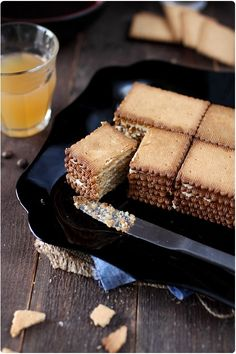 Gâteau Thé brun - Chef Nini Weekly Menu, Mini Desserts, What To Cook, Toffee, Sweet Recipes, Biscuits, Caramel, Deserts, Sweets
