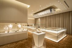 Ksl Global Group is a professional manufacturer of shop design, mall kiosks and display cases. We provides store design, shop fixtures production, quality inspection, etc. Design Shop, Jewellery Shop Design, Jewellery Showroom, Shop Interior Design, Retail Design, Jewelry Shop, High Jewelry, Jewelry Stores, Body Jewelry