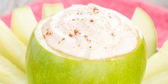 Caramel-Greek Yogurt Dip in an Edible Apple Cup Greek Yogurt Dips, Greek Yogurt Recipes, Easy Dips To Make, Super Bowl Dips, Apple Cup, Healthy Dips, Eating Healthy, Dessert Dips, Party Dips
