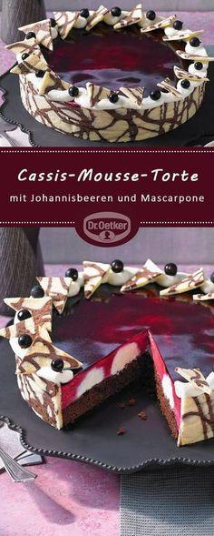 Cassis-Mousse-Torte: Dekorative Torte mit einer Mousse aus schwarzen Johannisbeeren und Mascarpone-Creme-Tupfen cookies and cream cookies christmas cookies easy cookies keto cookies recipes easy easy recipe ideas no bake Beef Pies, Mince Pies, Mascarpone Creme, Cake Recipes, Dessert Recipes, Flaky Pastry, Breakfast Buffet, Mousse Cake, Yummy Cakes
