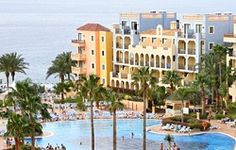 Looking for a relaxing and fun family resort in Tenerife? Choose from self catering holiday apartments, fabulous resorts with kid's clubs and cheap accommodations! Family Resorts, Hotels And Resorts, Cheap Accommodation, Travel 2017, Holiday Apartments, Tenerife, Family Travel, Holidays, Fun