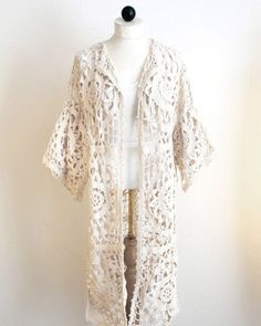 This is actually a new crochet pattern from Maggie Weldon, but it looks vintage. Crochet Coat, Crochet Jacket, Crochet Cardigan, Thread Crochet, Crochet Motif, Crochet Shawl, Crochet Designs, Crochet Clothes, Crocheted Lace