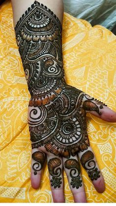 Latest Arabic Mehndi Designs, Henna Tattoo Designs Simple, Back Hand Mehndi Designs, Indian Mehndi Designs, Mehndi Designs Book, Stylish Mehndi Designs, Mehndi Design Pictures, Mehndi Designs For Beginners, Mehndi Designs For Girls