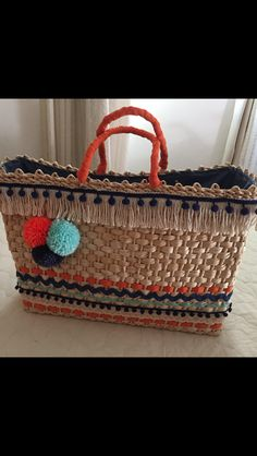 Bolsa de palha customizada do ateliê Máyra Xavier!!!