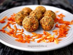 Amy's piece of cake: Raw Carrot Cake Bliss Balls
