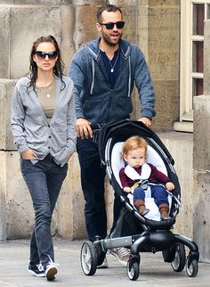 natalie portman family  | Natalie Portman with Benjamin Millepied and their son Aleph in Paris ...