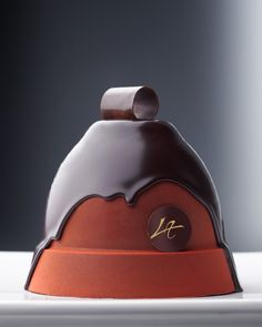 "La Cloche de Pâques Morpheus: ""If real is what you can feel, smell, taste and see, then 'real' is simply electrical signals interpreted by your brain. Chocolates, Love Chocolate, Chocolate Lovers, Chocolate Pastry, Chocolate Heaven, Chocolate Coffee, Pastry Art, Pastry Chef, Cupcake Cakes"