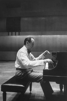 Vladimir Horowitz~ The greatest of all times.