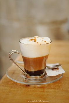 Cappuccino in Italy Coffee Latte Art, I Love Coffee, Coffee Cafe, Coffee Break, Best Coffee, Coffee Drinks, Coffee Town, Cappuccino Cafe, Morning Coffee