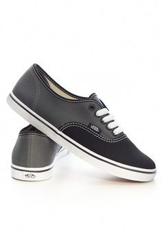 Vans Authentic Lo-Pro 2 Tone black/grey. Ridiculously hard to get in my size, but I succeeded. WINNING!