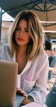 Super hair bob straight medium mid length Ideas - Recreational Room - Natural Make Up DIY - DIY Jewelry Box - Bob Hairstyles Medium - Simple Home DIY Medium Hair Cuts, Long Hair Cuts, Medium Hair Styles, Medium Bobs, Hair Medium Lengths, Hair Cuts Lob, Hair Cuts Girls, Best Hair Cuts, Short Hair Cut For Round Faces