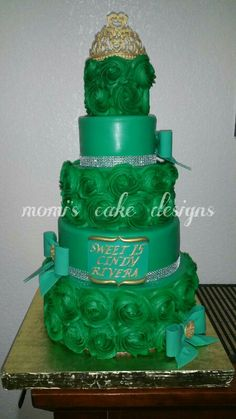 Momis cake designs  ..I make this cake yesterday. I just love it.