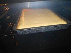 Das perfekte Käsekuchen vom Blech-Rezept mit Bild und einfacher Schritt-für-Schritt-Anleitung: Teig:Für den Teig ,Fett in Flöckchen,Zucker,Eier,Mehl und…