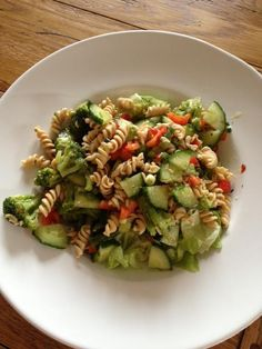 "PASTA SALAD (all phases!) Ideal Wellness shares a pic to compliment yesterday's post about the new IP rotini pastas. Delicious hot or cold. Dieter Martha G says, ""We cook up 4 at a time and add stir fried broccoli, red peppers & mushrooms then divide it into 4 containers and add EVOO, capers & fresh basil and refrigerate. 4 complete ready to go lunches!!!""  This one bears repeating....it's that good! The ""new"" rotini pasta, mixed with lots of chopped veggies ( see below in comments for the…"