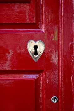 Red door inspiration. Could the be the perfect shade of red?