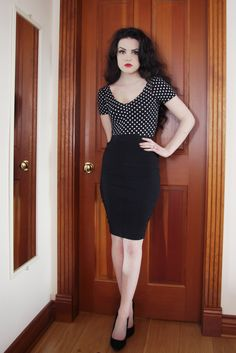 New How To Wear Red Lipstick Outfits Dresses Ideas Alternative Mode, Alternative Fashion, Red Lipstick Outfit, Capsule Wardrobe, Idda Van Munster, Casual Goth, Pinup, Mein Style, Style Retro