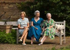 (R-L) The Danish sisters Queen Margrethe II, Princess Benedikte and Princess Anne-Marie (former Queen of Greece) pose for the media at Grasten Palace (Denmark), 26 July 2013