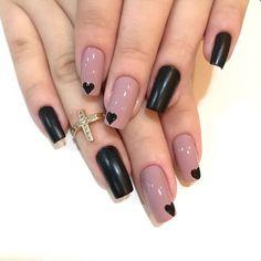 "12 curtidas, 1 comentários - Qual Esmalte? (@qualesmalte) no Instagram: ""Apaixonada ✨ . . . . . #unhas #nails #unhasdasemana #unhasdegel #vidrinhos #apaixonada #manicure…"""