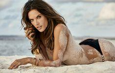 Modelo Alessandra Ambrósio, 35 anos, posou em um cenário paradisíaco. Leia mais no OFuxico!