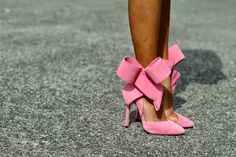 Diggin' these shoes for spring!  (The Daileigh: A bow moment...)