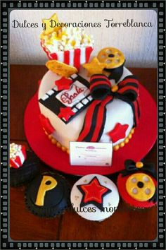 Pastel y Cupcakes de XV años estilo Hollywood cotizaciones al Cel 5567023311