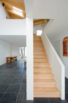 Bemerkenswert V House Interior Design Ideen In Leiden: Holztreppe Des  Hauses V ~