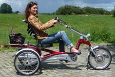 The Easy Rider tricycle for adults has by its special construction of the frame,a low step through and a unique riding position. Through the semi recumbent bicycle seat position and the lower seat you cycle in a special way. Stability is much higher than a conventional tricycle, with a good back support, you are easily capable of cycling long distances.