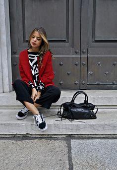 I was wearing: Kontatto read coat, kontatto black and white jacquard sweater, Kontatto midi black trousers, Vans black old skool sneakers and Balenciaga bag.