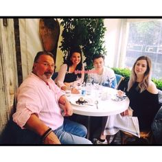 Robin, Anne, Harry and Gemma (harry and his family) Harry Styles Family, Gemma Styles, Harry Styles Pictures, Love Of My Life, My Love, Wattpad, Treat People With Kindness, I Love One Direction, 1d And 5sos