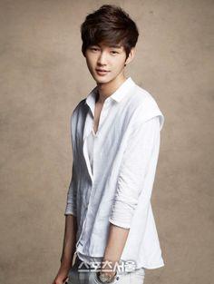 Imagen de lee won geun, korean model, and korean actor