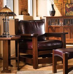 Stickley style - so livable. Lovely quartersawn oak and perfect color for the upholstery.