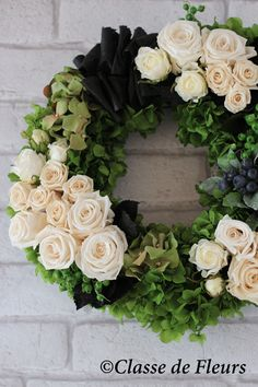 Flower Box Gift, Flower Boxes, Funeral Floral Arrangements, Flower Arrangements, Funeral Flowers, Wedding Flowers, Ikebana, Cemetery Flowers, Wreaths And Garlands